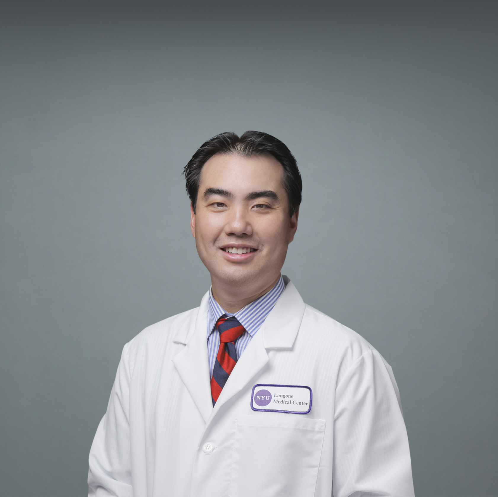 Medical Oncologist Dr. William Huang