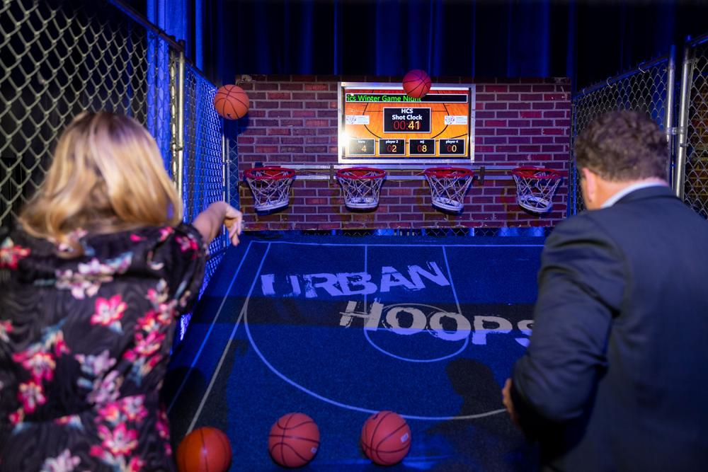 People Play Basketball Arcade Game